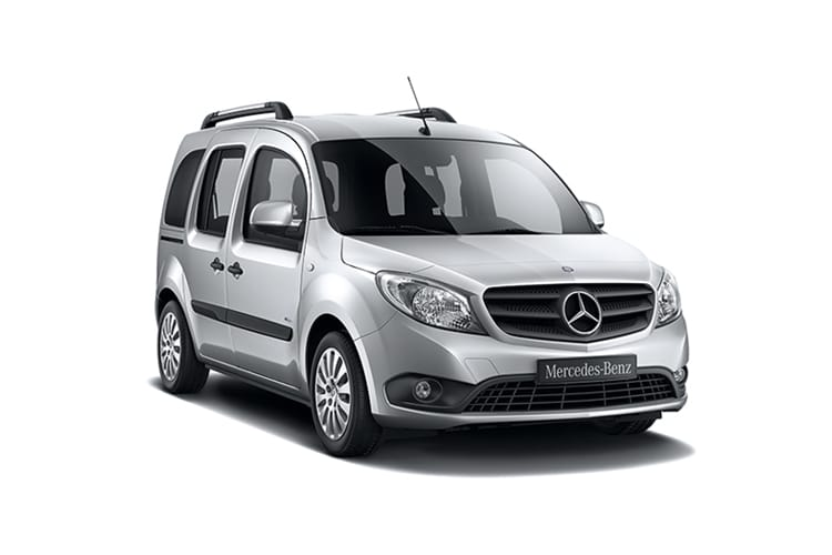 Front view of Mercedes Citan Tourer Pro 109 CDI 1.5 L2