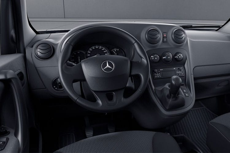 Inside view of Mercedes Citan Tourer Pro 109 CDI 1.5 L2