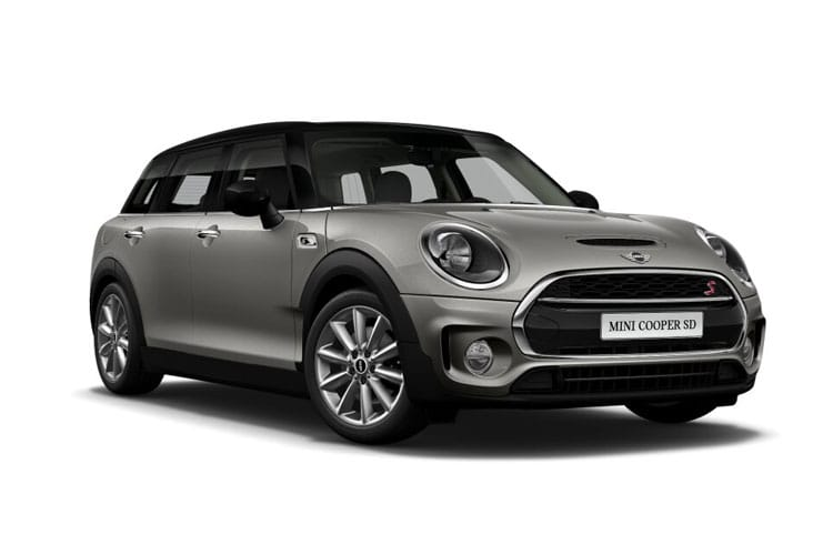 Front view of MINI Clubman 1.5 Cooper Classic (MY2021.01)