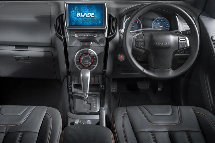 Inside view of Isuzu D-Max 1.9 Double Cab AT35 Safir Auto 4x4