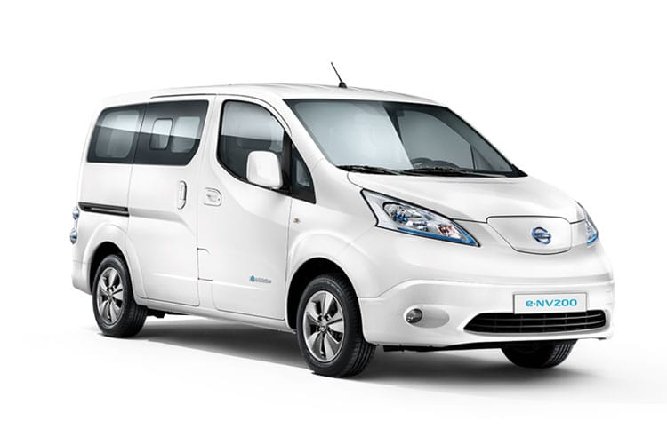 Front view of Nissan e-NV200 Combi 109ps Visia 5Seat