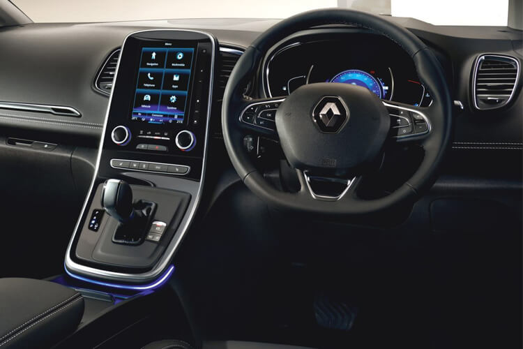 Inside view of Renault Grand Scenic 1.3 TCE 140 Play