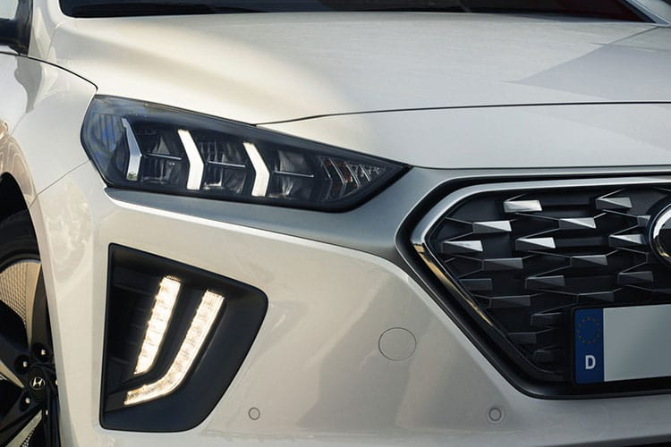 Detail view of Hyundai Ioniq Hatch 1.6 GDI Hybrid SE Connect DCT