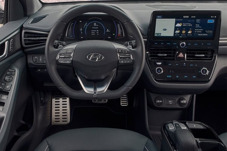 Inside view of Hyundai Ioniq Hatch 1.6 GDI Hybrid SE Connect DCT