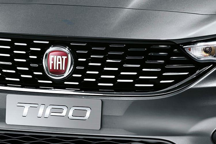 Detail view of Fiat Tipo 5 Door Hatch 1.4 120hp T-Jet Lounge (MY2020)