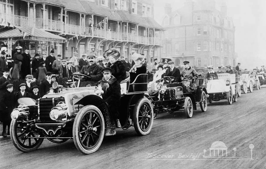 Motorcars entering the race in Bexhill 1902