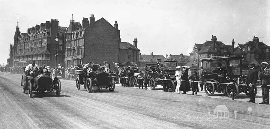 First automobile race in 1902